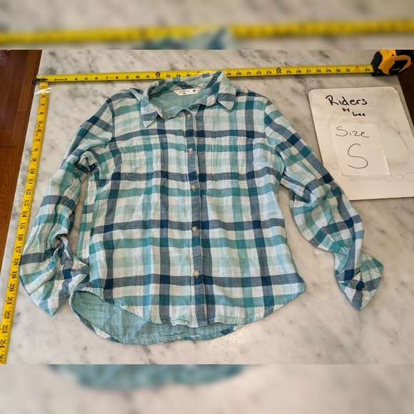 5/$25 Blue plaid button up shirt. Riders by Lee